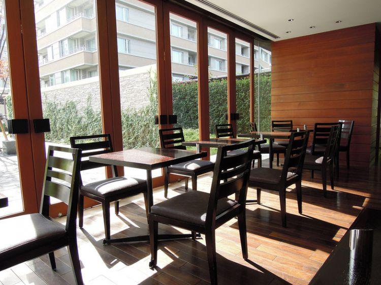 ゆったりとしたカフェスペース