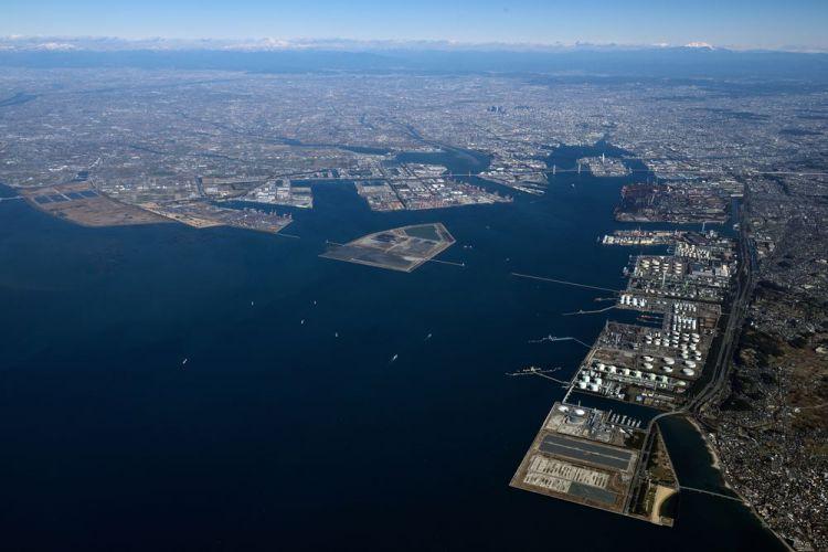 世界の貿易港名古屋港