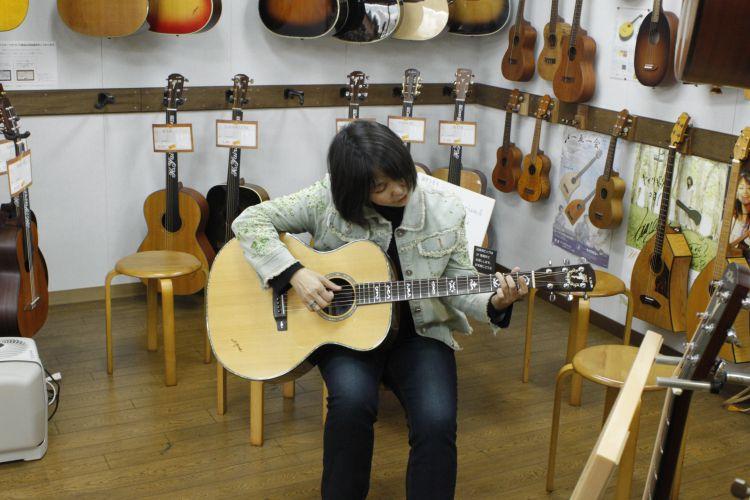 ヤイリギター試奏
