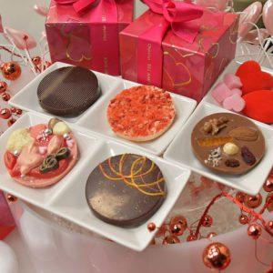 valentine-kiss1