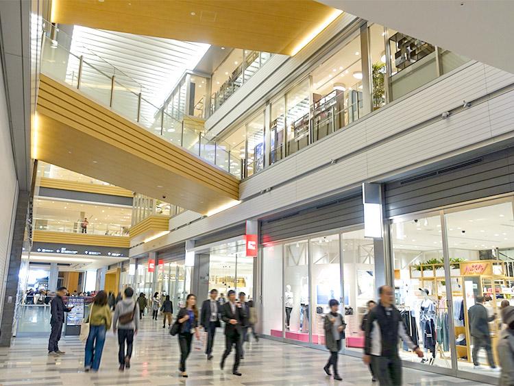 0003c2b6dcc8e 名古屋駅前の新ビル『JRゲートタワー』B1F〜8Fに展開される商業施設『タカシマヤゲートタワー モール』が、いよいよ2017年4月17日(月)朝10時に 全面オープンします。